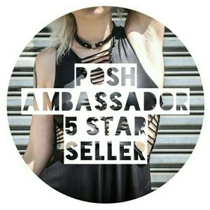 💞POSH AMBASSADOR & 5 STAR SELLER💕